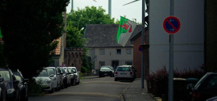Hochneukirch zeigt Flagge