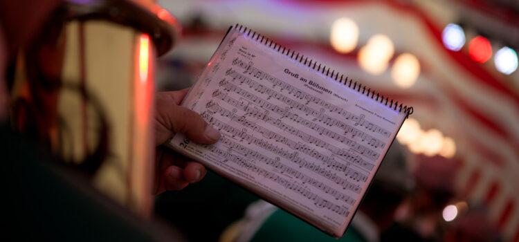 Heimisch-Musikalische Klänge im Festzelt